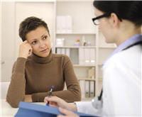 le suivi régulier est obligatoire après un traitement pour cancer.