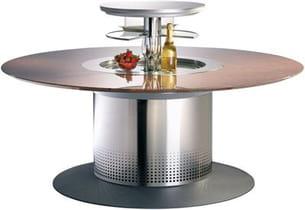 moteur électrique, réfrigérateur intégré... cette table se pilote à la