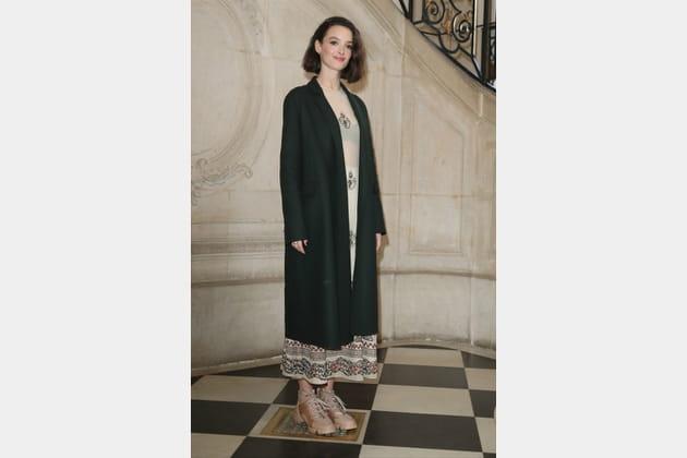 Charlotte Le Bon au défilé Dior
