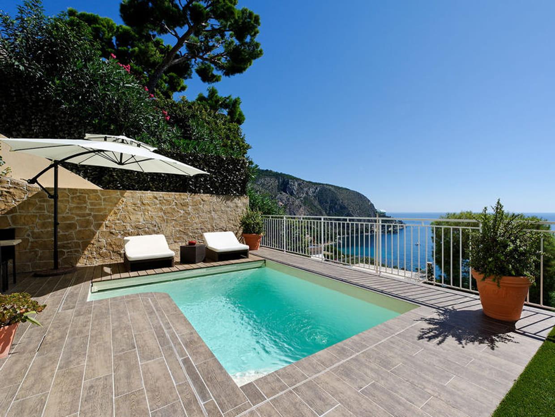 piscine citadine inf rieure 30 m de forme libre. Black Bedroom Furniture Sets. Home Design Ideas