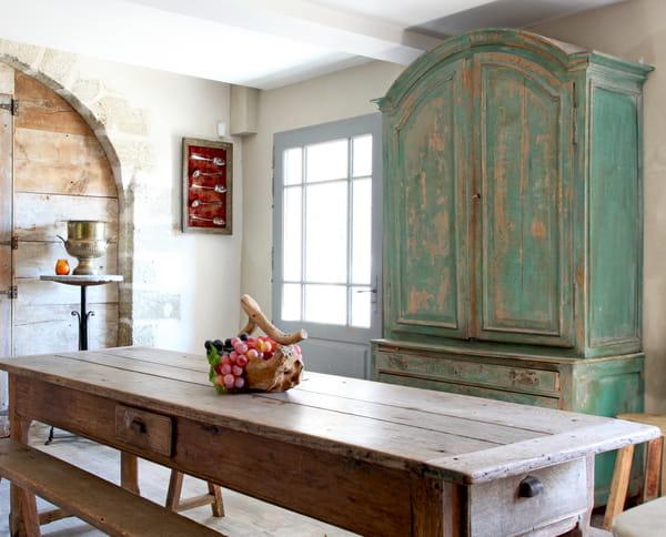 Rénover et relooker un meuble en bois sans se tromper