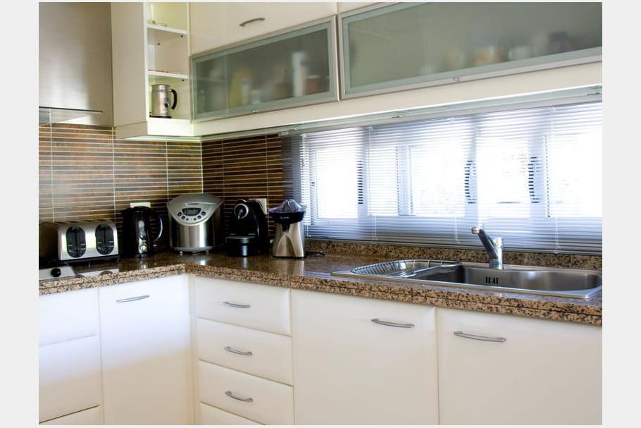 en granit mouchet. Black Bedroom Furniture Sets. Home Design Ideas
