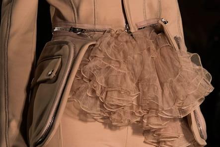 Givenchy (Close Up) - photo 53