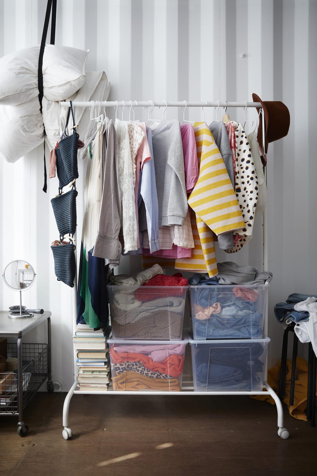 Pour Accrocher Les Vetements comment ranger ses vêtements d'hiver au printemps (et