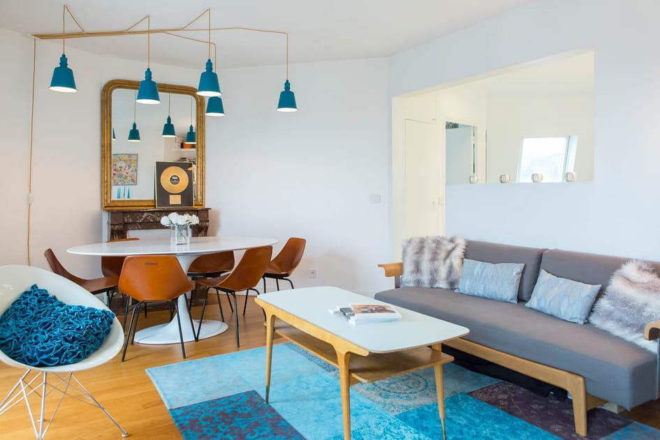 Un salon bleu et bois