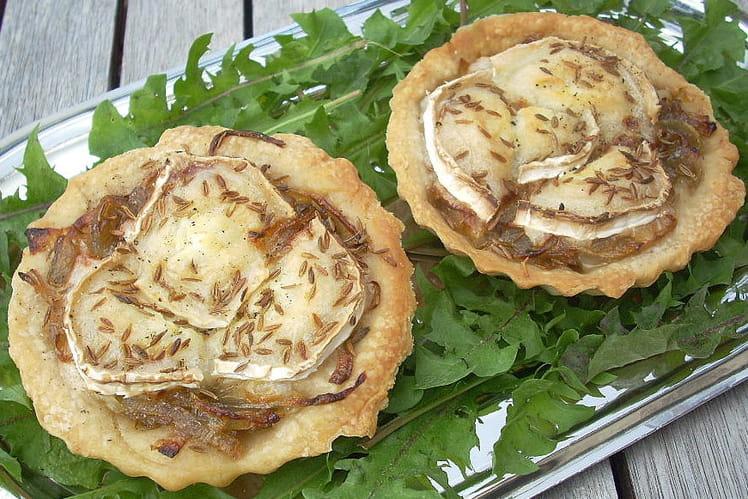 Tartelettes au confit d'oignons rouges et chèvre