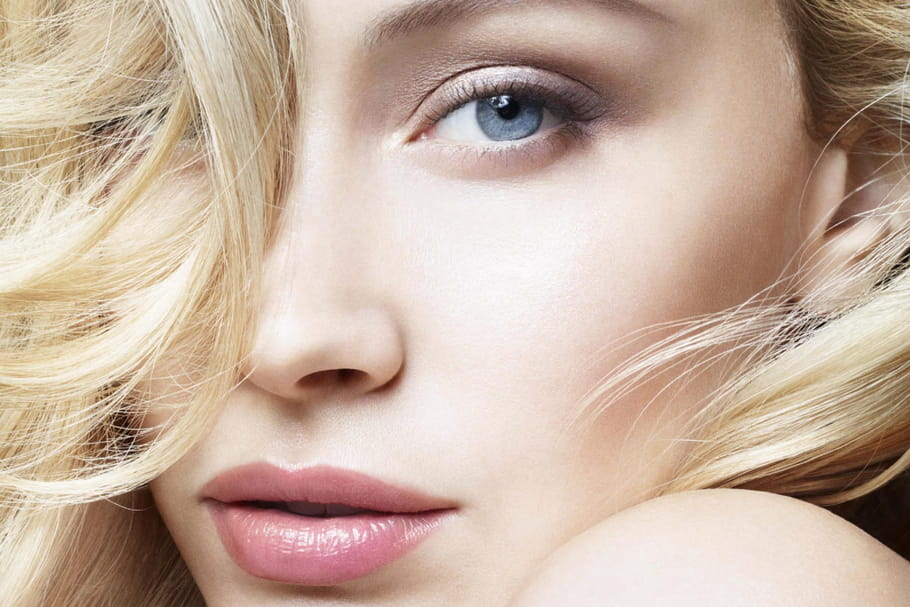 Sarah Gadon, nouvelle égérie Giorgio Armani Beauty