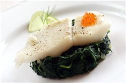 le poisson et les épinards contiennent un peu de fluor.