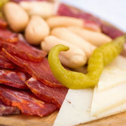 charcuterie et fromage manchego