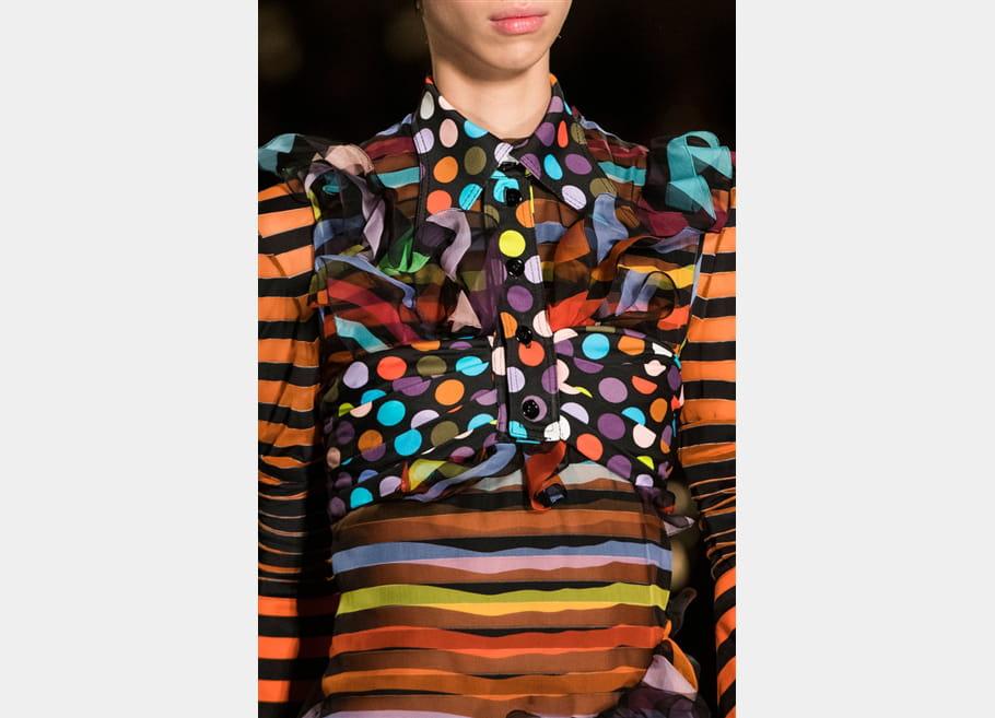 Givenchy (Close Up) - photo 32