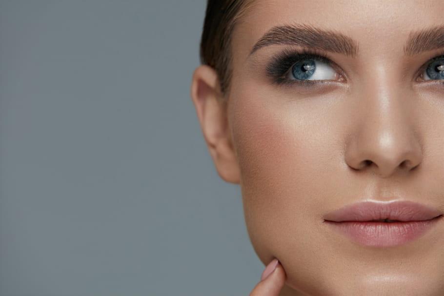 Huile de ricin pour les sourcils: comment l'appliquer, résultat, conseils...