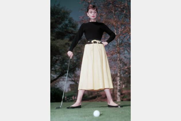 Audrey Hepburn en jupe midi