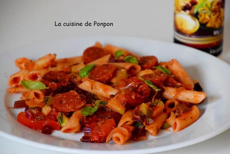 Pâtes Penne, chorizo, courgette et fanes de betteraves rouges