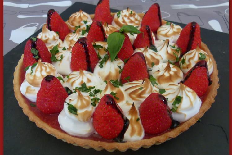 Tarte aux fraises meringuée sur pâte sablée au citron