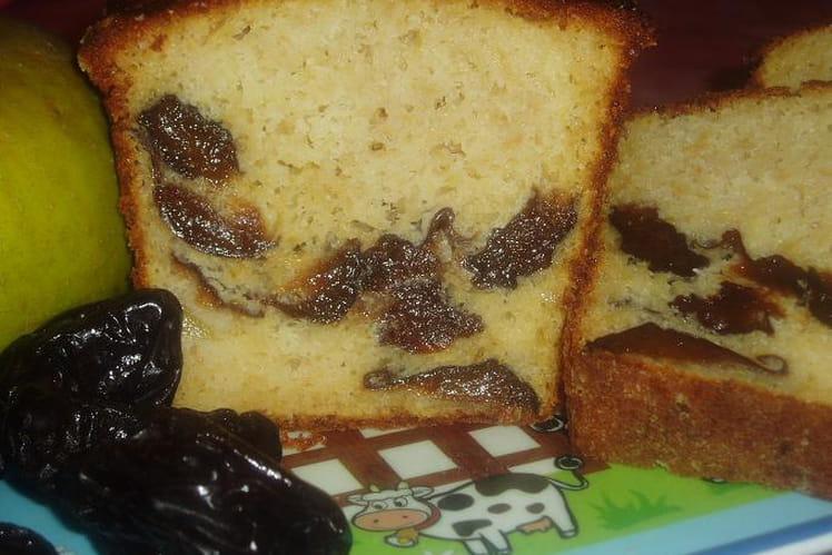 Cake pommes-pruneaux au Calvados