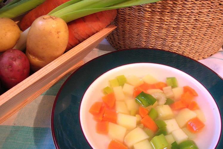 Soupe de légumes à la badiane