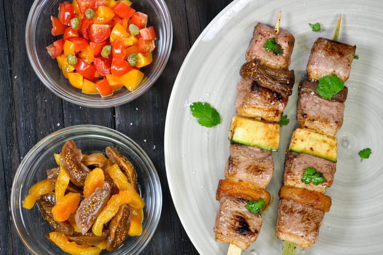 Brochette de filet canard bio, courgettes, figues et abricots