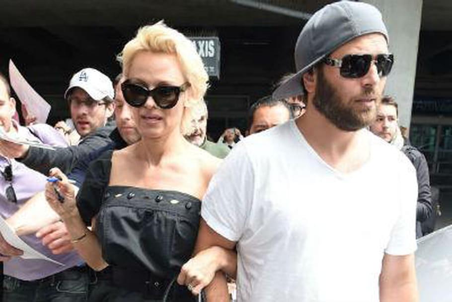 Pamela Anderson divorce (encore)