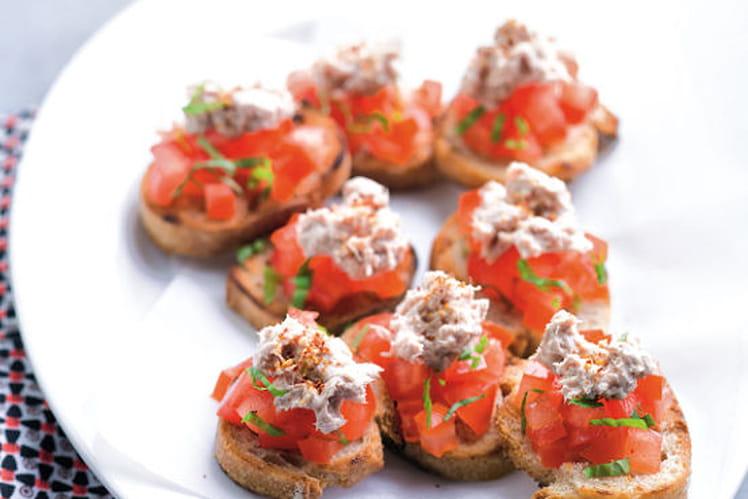 Bruschetta aux tomates et rillettes de thon