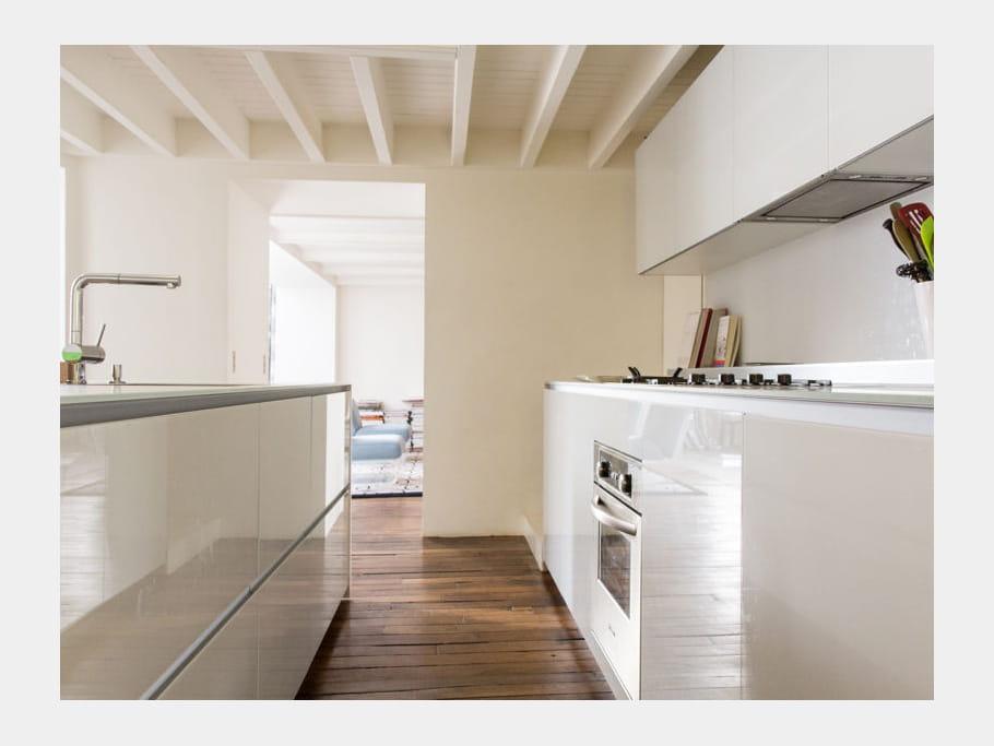 cuisine pur e cuisine blanche 40 pi ces immacul es et ultra lumineuses journal des femmes. Black Bedroom Furniture Sets. Home Design Ideas