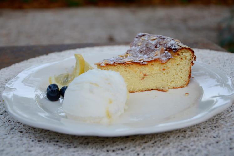 Gâteau italien à la ricotta, au citron et aux amandes