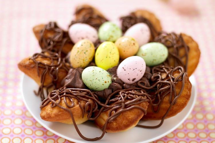 Nid de Pâques aux Madeleines et son cœur de mousse au chocolat