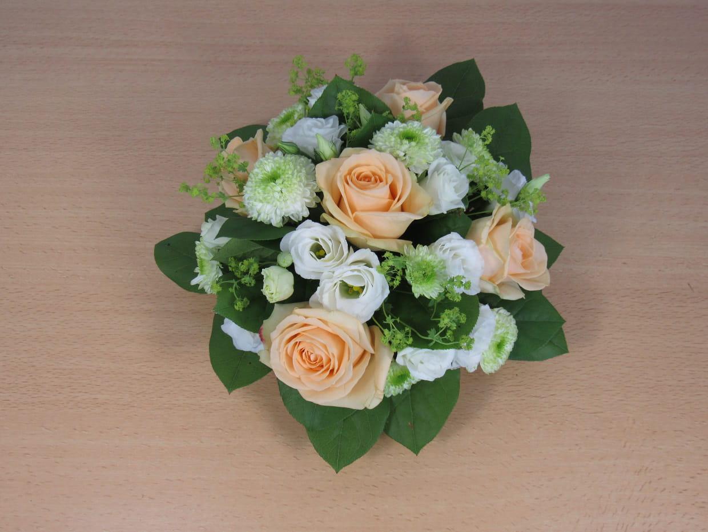 Comment Faire Un Centre De Table Avec Des Fleurs comment réaliser un centre de table fleuri pour votre mariage ?