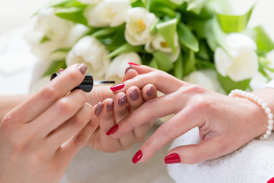 Les meilleurs vernis semi-permanents pour les ongles