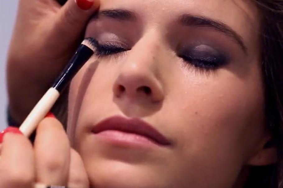 video] se faire un maquillage de fêtes