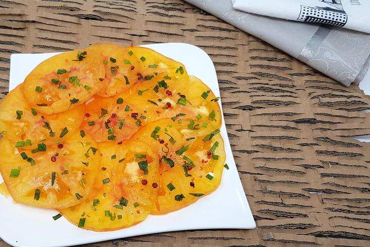 Carpaccio de tomate, vinaigrette sésame, estragon et verveine