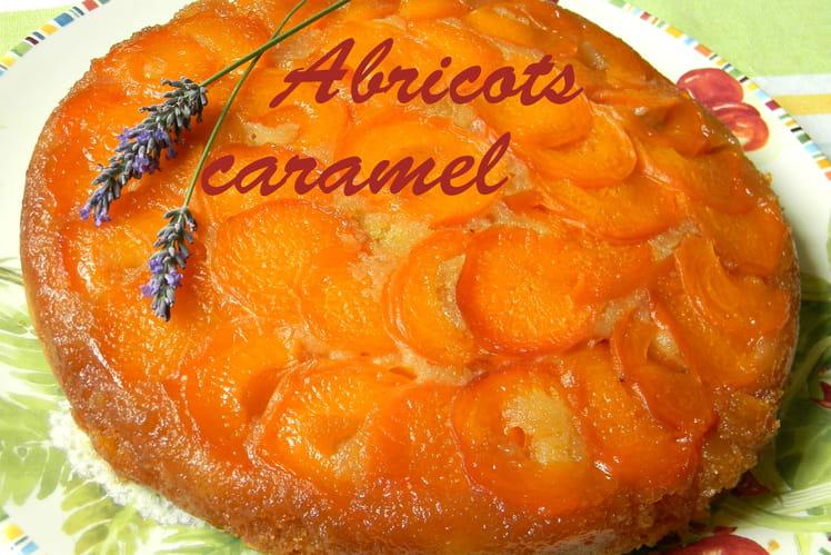 Gâteau aux abricots caramélisés