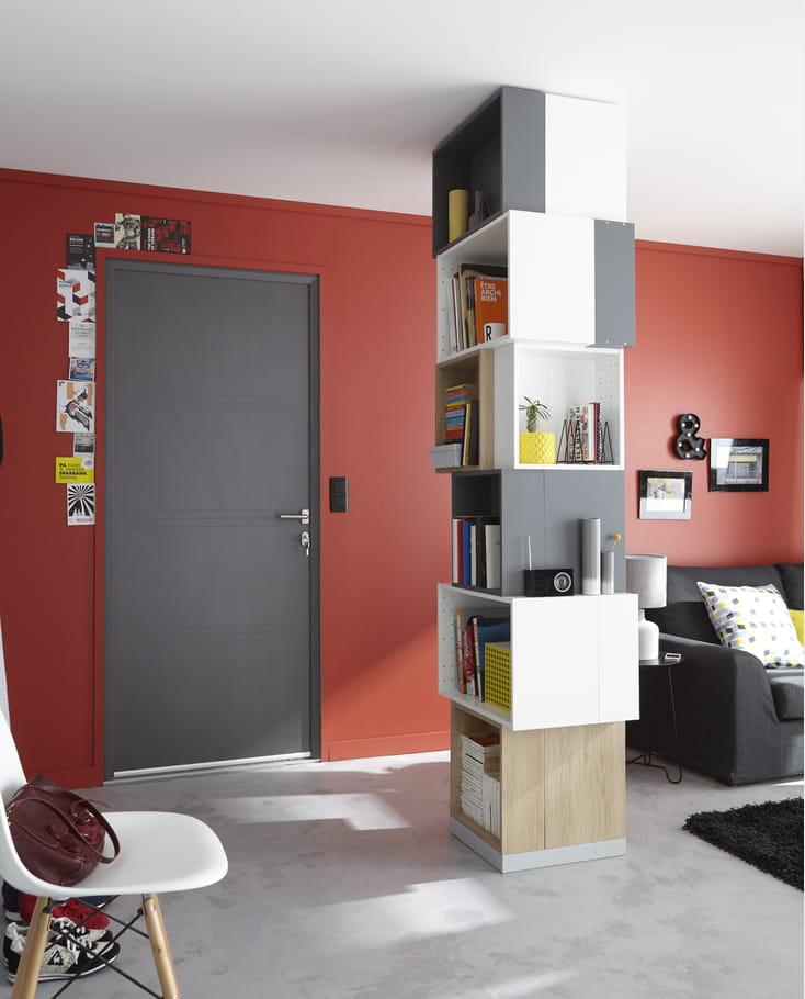 Un salon rouge lumineux des couleurs chaudes sur les for Peinture rouge salon
