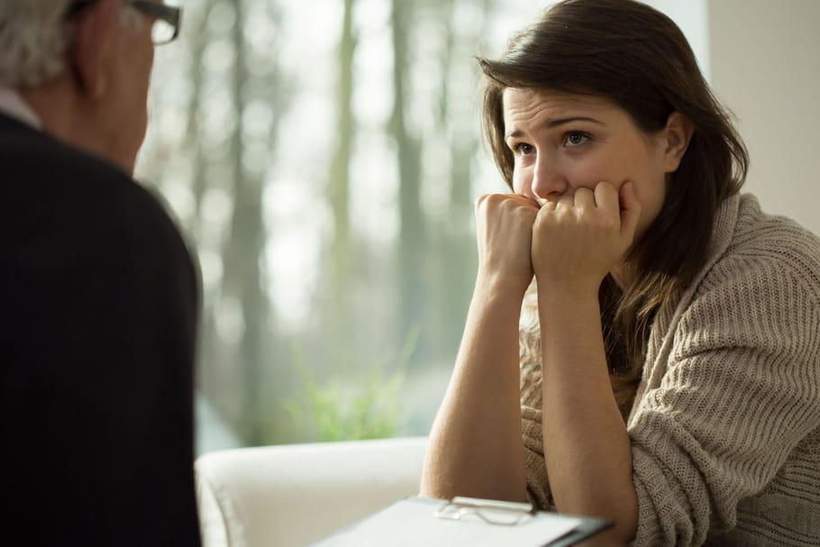 Comment l'hypnose peut vous aider à perdre du poids?
