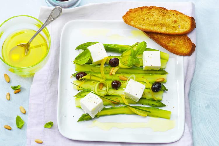 Asperges vertes, olives et citron au Carré Frais 0% et herbes fraiches