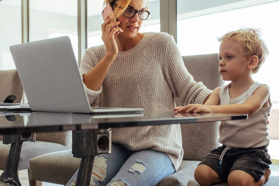Chômage partiel des parents: conditions, garde d'enfants, fraudes