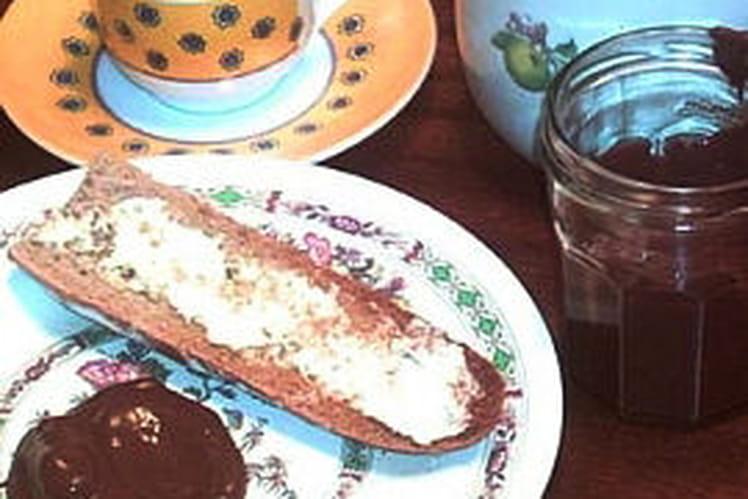 Pâte à tartiner chocolat/noisettes
