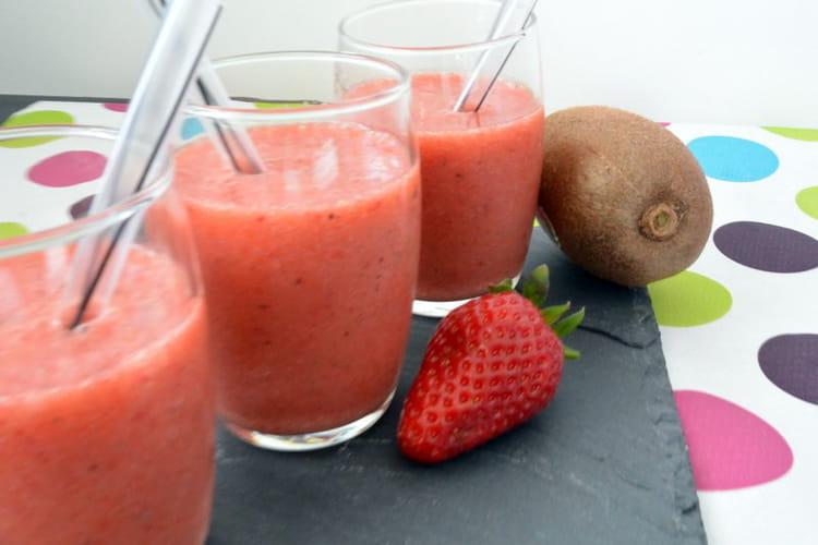 Smoothie vitaminé fraise kiwi