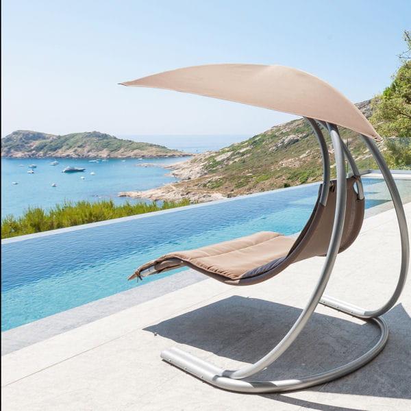 du mobilier pour chiller au bord de la piscine. Black Bedroom Furniture Sets. Home Design Ideas