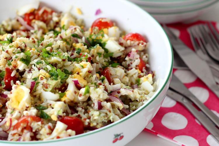 Salade de riz, quinoa, feta et avocat