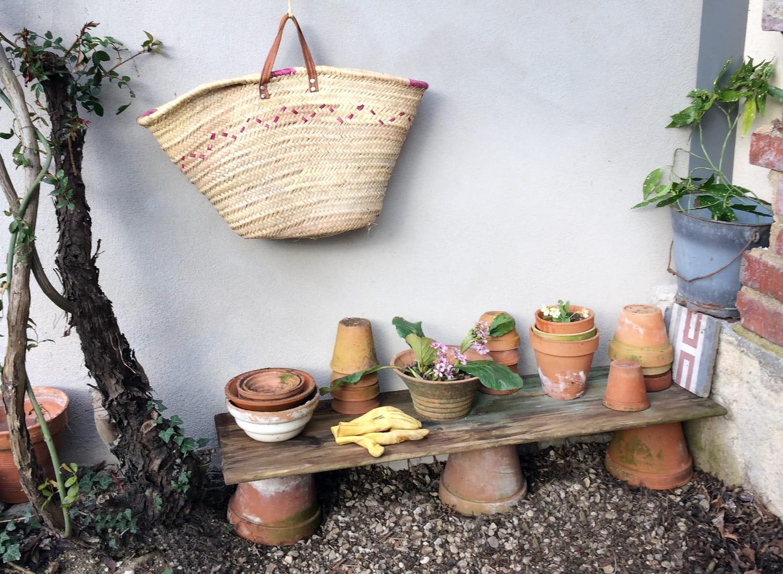 Fabriquez une étagère déco pour le jardin [TUTO]