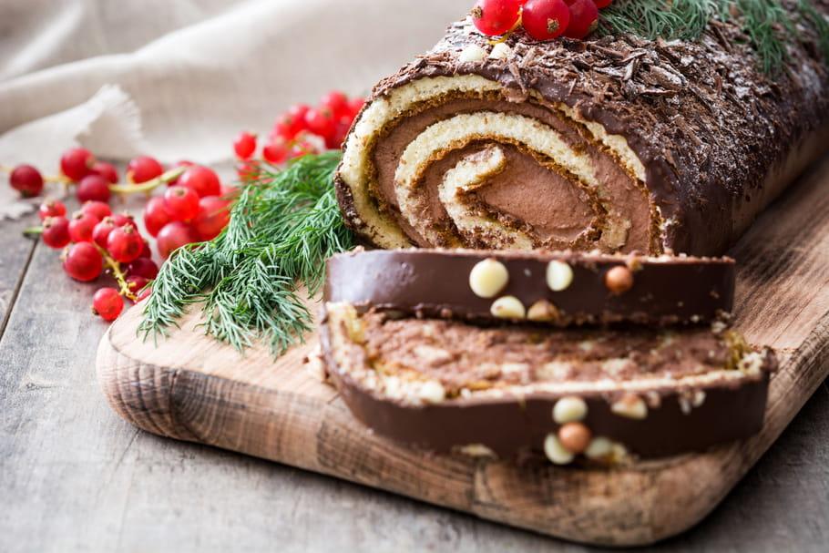 Pourquoi appelle-t-on le célèbre dessert de Noël une bûche?