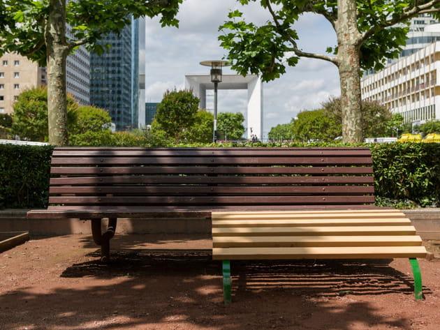 Dans la rue, du mobilier urbain qui surprend