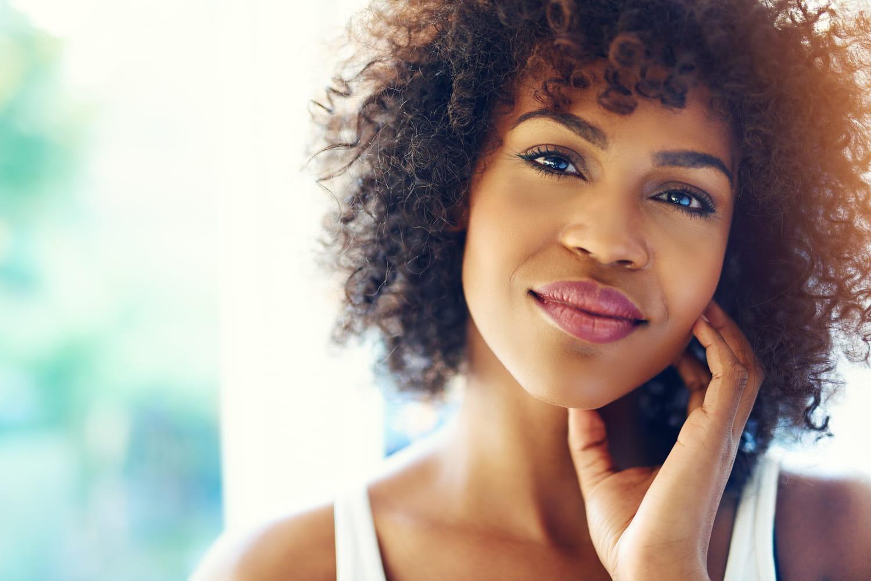 Coupe courte afro: comment la réaliser et en prendre soin?