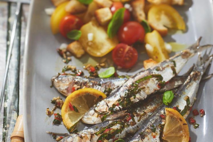 Assiette de sardines et petites tomates