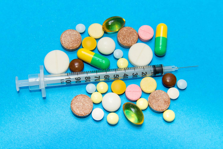 Médicament et drogue: mélanges à risque, dangers, que faire?
