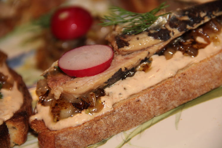 Tartines de sardines aux échalotes