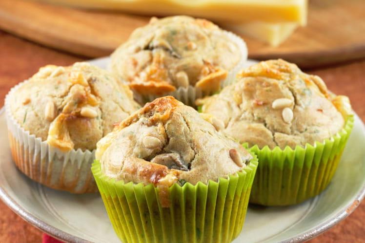 Muffins apéritifs aux noix, champignons et Emmental de Savoie
