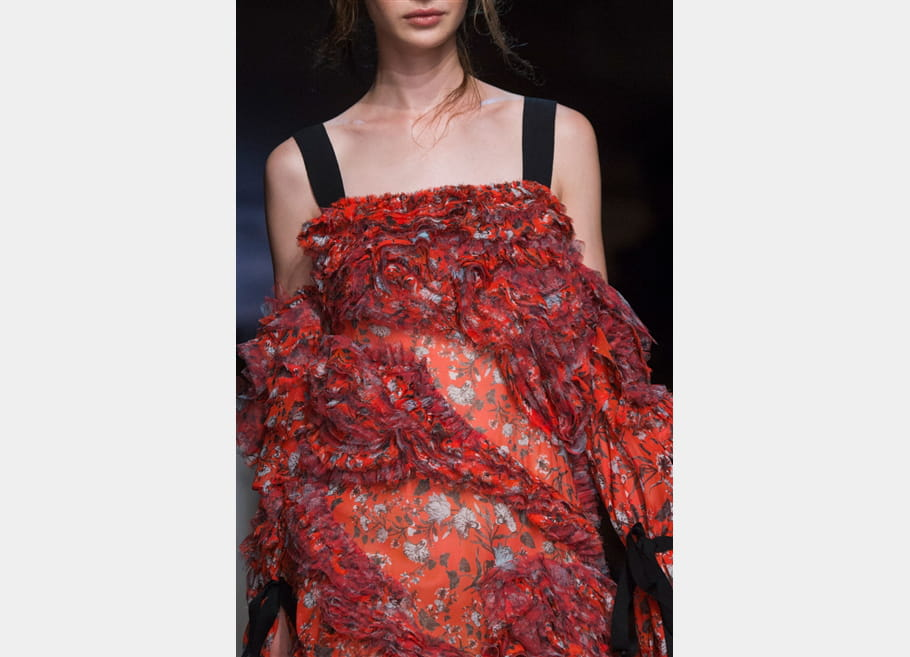 Erdem (Close Up) - photo 32