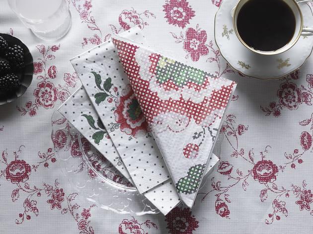 Nappe et serviettes fleuries IKEA
