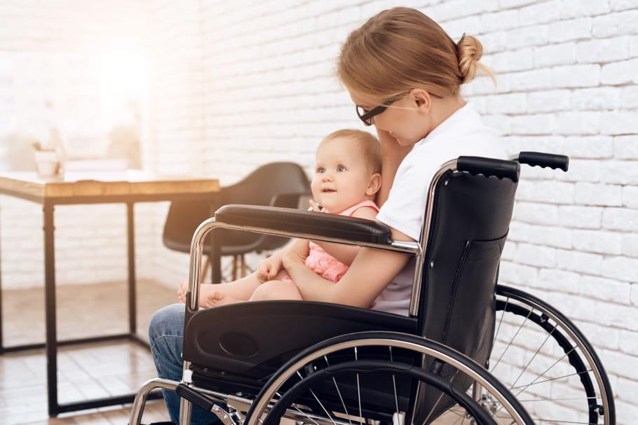 """Maman handicapée: """"notre quotidien n'est pas banal, mais c'est notre force"""""""